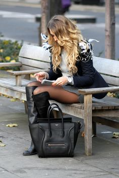 Boots and purses Thigh High Boots, High Heel Boots, Over The Knee Boots, Heeled Boots, Cool Tights, Black Tights, Pantyhose Outfits, Pantyhose Legs, Nylons