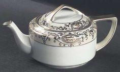 Teapot & Lid in the 175 pattern by Noritake