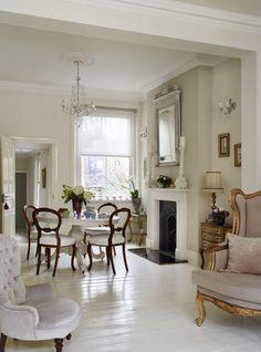 Gorgeous white & dark wood. so French! Decorare