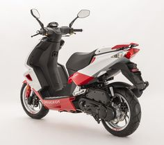 The new Peugeot Speedfight 20 Edition celebrates two decades of the now iconic French scooter with special paint and features to add extra style to the mix Normal Models, Birthday Painting, Smartphone Holder, Full Face Helmets, Motor Scooters, Sport Seats, 50cc, Motorcycle Design, Paint Schemes