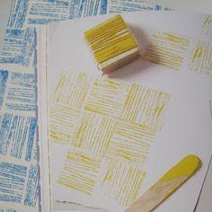 wrap yarn around a block to make a stamp #diy