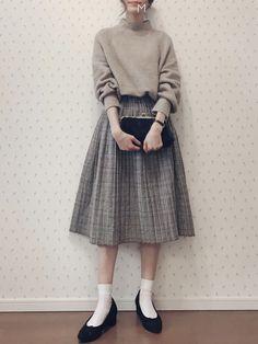 Kind of nice 🤔 Cute Fashion, Modest Fashion, Skirt Fashion, Fashion Dresses, Korean Outfits, Mode Outfits, Ulzzang Fashion, Korean Fashion, Hijab Fashion