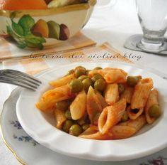 Pennette rigate al sugo di piselli ,pancetta e pomodoro, un primo leggero e veloce