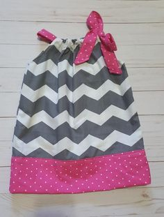 gray chevron dress, pink and gray dress, chevron pillowcase dress, girls dress, pillow case dress, toddler dress, gray and pink dress Very cute pillow case style dress for summer. Made from a gray and white chevron print fabric, with a contrasting band of hot pink polka dot fabric. Also a tie Chevron Fabric, Chevron Dress, Grey Chevron, Polka Dot Fabric, Pink Polka Dots, Grey Fabric, Pink Brown, Pink Grey, Grey And White