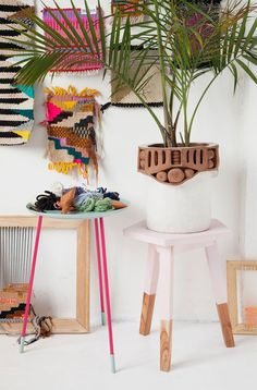 Yarn and plants, white & fluor... perfect combinations! #boho