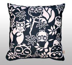 Headwing -tyynynpäällinen // Headwing -cushion cover. Design by Pisama Design #pöllö #owl