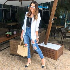 Y or n? 🌸 blazer jeans, look blazer, casual jeans, casual outfit. White Blazer Outfits, Casual Blazer, Casual Jeans, Casual Outfits, Fashion Outfits, White Blazers, Blazer Fashion, Look Blazer, Blazer With Jeans