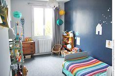 Deep blue is for boys. Kids Bedroom, Bedroom Decor, Deco Kids, Big Girl Rooms, Kids Decor, Home Decor, Home And Deco, Baby Boy Nurseries, Kidsroom