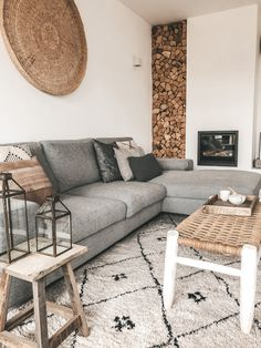 Outdoor Sofa, Outdoor Furniture, Outdoor Decor, Tumblr Rooms, Home Fashion, Cosy, Love Seat, New Homes, Table