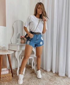 Jean Short Outfits, Lazy Day Outfits, Summer Outfits For Teens, Cute Casual Outfits, Everyday Outfits, Pretty Outfits, Beautiful Outfits, Looks Com Short Jeans, Look Con Short