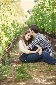 @Brittany Lambert I'm in <3 with this vineyard Engagement photo! Sooo sweet!