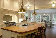 Island - design kuchyně Trend Here To Stay - zjednodušené Bee Curved Kitchen Island, Kitchen Design Open, Kitchen Designs, Kitchen Islands, Island Sinks, Butcher Block Island, Butcher Blocks, Kitchen Lighting Over Table, Metzger