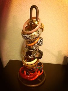 Organization Tip: Use a paper towel to display bangles. #shopthetopshelf