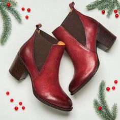 WELLING in Wine Red. Stay festive this holiday season with the WELLING in our favorite Wine Red!