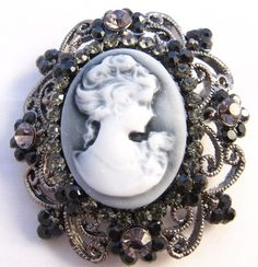 would love a necklace tattoo with a cameo!