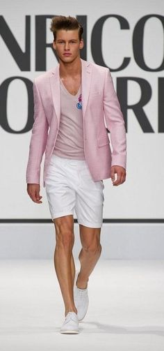 Enrico Coveri is an underrated designer that has been creating quirky pieces since the My favourite sunglasses are Enrico Coveri and this outfit with its fun graphic and great proportions shows just why Coveri goes from strength to strength, S/S Pink Blazer Men, Blazer And Shorts, White Shorts, Mature Fashion, Look Fashion, Mens Fashion, Fashion Outfits, Trendy Outfits, Fashion Ideas