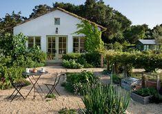 Bob Maday Landscape Architecture Best Edible Garden | 2015 Gardenista Considered Design Awards