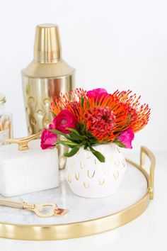 DIY this patterned vase to keep fresh blooms in your room.
