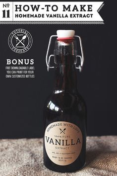 How to make vanilla extract - the best vanilla extract! DIY vanilla extract with FREE PRINTABLE label for your pantry or for giving as gifts! 50 of the BEST DIY Gift Ideas - The Idea Room
