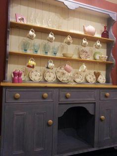 Kitchen dresser annie sloan old violet and old white. 1st try. Still missing a drawer knob.