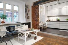 Loft com estrutura aparente. Veja: http://casadevalentina.com.br/blog/detalhes/estrutura-aparente,-loft-atualizado-2924 #decor #decoracao #interior #design #casa #home #house #loft #idea #ideia #detalhes #details #style #estilo #casadevalentina #livingroom #saladeestar