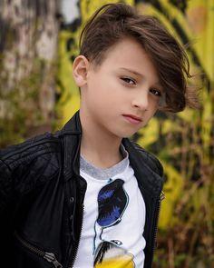 Young Cute Boys, Cute Kids, Beautiful Boys, Pretty Boys, Beauty Full Girl, Boys Jeans, Boy Hairstyles, Child Models, Little Boys