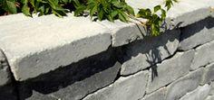 Rådhus mur  Den tromlede serien er dekorativ til bruk både i murer, trapper og som dekke. Rådhus mur er et patentert mursystem. Den kan stables som frittstående pyntemur, synlig fra begge sider og den kan brukes som støttemur da blokkene tillater buede konstruksjoner. Muren har et patentert låsemekanisme –Geoloc- som sørger for bedre feste mellom blokkene og innfesting av jordarmeringsnett.