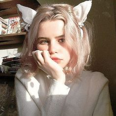 Image in Short hair➖ collection by girl short hair Image in Short hair➖ collection by Cool Short Hairstyles, Girl Hairstyles, Short Hair Styles, Aesthetic People, Aesthetic Girl, I Love Girls, Cute Girls, Pretty People, Beautiful People
