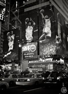 NYC. Manhattan. NBA ad.
