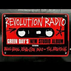 Revolution Radio is out Now..❤❤❤❤ Green Day..