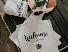 Guest Favor Ideas - Welcome Bag - Custom tote bag - Wedding Bag - Flower Tote Bag - Wholesale Minimalist (MIN OF Custom Wedding Gifts, Personalized Wedding Favors, Wedding Favors For Guests, Bridesmaid Tote Bags, Bridesmaid Gifts, Custom Tote Bags, Wedding Bag, Floral Centerpieces, Paper Goods