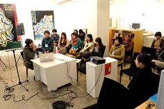 2012年11月17日写真講座。  講師の秦さんがミュージシャンに見えますね〜