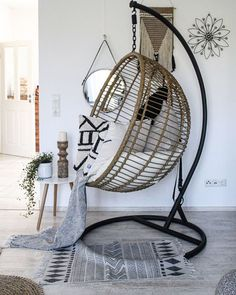 We go straight to the timber trade and look around Make yourself a wonderful Saturday! Swing Chair For Bedroom, Swinging Chair, Bedroom Decor For Couples, Home Decor Bedroom, Bedroom Ideas, My Living Room, Living Room Chairs, My New Room, My Room