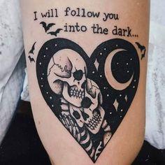 Dream Tattoos, Time Tattoos, Body Art Tattoos, Sleeve Tattoos, Key Tattoos, Tattoo Drawings, Skeleton Couple Tattoo, Skeleton Tattoos, Tattoos Skull