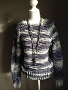 Leuke trui gehaakt met wol Rachel van Zeeman. In totaal nog geen €15,- kwijt aan materiaal. De hals heb ik gevonden op Pinterest van Haaktrend en de rest is ei