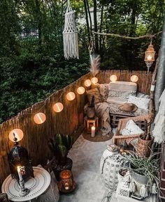 Small Balcony Decor, Outdoor Balcony, Outdoor Decor, Backyard Patio, Backyard Plants, Backyard Seating, Outdoor Beds, Outdoor Seating, Outdoor Spaces