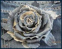 18 beautiful denim and lace flowers Denim Flowers, Cloth Flowers, Lace Flowers, Felt Flowers, Fabric Flowers, Wedding Flowers, Shabby Chic Flowers, Fabric Flower Tutorial, Crocheted Flowers