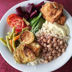 Almoce bem, coma à vontade!  Segunda a Sexta: Buffet Completo + Saladas + Sobremesa grátis $18 por pessoa  Sabados: Feijoada + Buffet Completo + Saladas $20 por pessoa.  Você pode retirar o marmitex, temos o Tradicional, só de Salada ou só de Mistura.  Crianças 0 a 4 anos é Grátis* 5 a 10 anos = $13,00* * Acompanhada dos pais pagantes*  #brasilianorestaurante #selfservice #sorocaba #sorocabasp #sorocabacity #campolim #refeição #instafood #restaurante #saturdaynight  #batizado #almoço #dieta…
