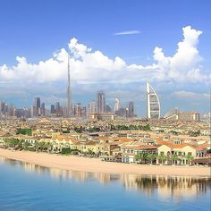 #Dubai The Palm with a view of Burj Al Arab & Burj Khalifa ➖➖➖➖➖➖➖➖➖➖➖➖➖➖➖ Photo Credit: @yakubanto #DubaiTag