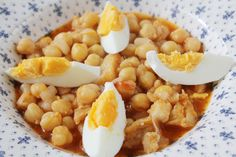 Potaje de garbanzos con bacalao Paella, Vegetarian Recipes, Cooking Recipes, Spanish Food, Food N, Sin Gluten, Chana Masala, Bon Appetit, Tapas