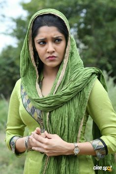 Actress Ritika Singh Hot Photos,Hot Actress Ritika Sing Sexy Navels,Ritika Singh Hot Boobs Show ,Actress Rithika Singh Sexy Hip Show,Rithika Singh Hot Navels Indian Actress Photos, Indian Bollywood Actress, Bollywood Photos, Beautiful Indian Actress, Beautiful Actresses, Hot Actresses, Indian Actresses, Rithika Singh, Indian Women Painting