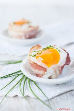 Bacon and egg muffin recipe - snack for breakfast, but also for dinner or lunch - Food recipe: delicious bacon and egg muffins! Egg Recipes, Brunch Recipes, Snack Recipes, Dinner Recipes, Easter Recipes, Breakfast And Brunch, Breakfast Muffins, Bacon Breakfast, Lunch Snacks