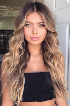 Are you going to balayage hair for the first time and know nothing about this technique? We've gathered everything you need to know about balayage, check! Brown Hair Balayage, Brown Blonde Hair, Hair Color Balayage, Short Blonde, Long Curly Blonde Hair, Bayalage, Light Brown Hair, Ombre On Long Hair, Girls With Blonde Hair