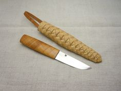 Tuohituppipuukko, puukko with birch bark sheath.