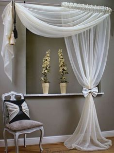Awesome Window Treatment Ideas and Curtain Designs Photos - Sight our collection of developer window treatments and also customized window coverings for your residence. From ranch shutters to easy DIY draperies, find ideas for upgrading your decor. Curtain Styles, Curtain Designs, Curtain Ideas, Ideas For Curtains, Rideaux Design, Home Curtains, Country Curtains, Bedroom Windows, Bedroom Window Curtains