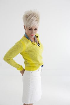 I love this outfit. I don't have white or yellow - Short Bob Hair Styles Cute Haircuts, Cute Hairstyles For Short Hair, My Hairstyle, Pixie Hairstyles, Pixie Haircut, Short Hair Cuts, Mode Ab 50, Chic Over 50, Vetement Fashion