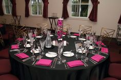 pink and black table set up for parties | Pink and Black table setting. | Teen girl party | Pinterest