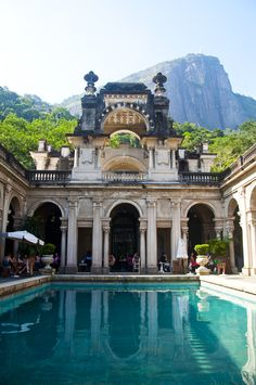 Parque lage, Rio de Janeiro, Brasil. Photo by Giovani Cordioli  Monkeys welcomed us as we entered! Adorable!