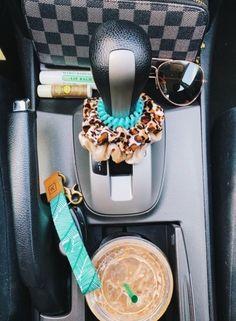 Ideas For Cars Organization Vsco Future Car, Vsco, Ford Gt, Cute Car Accessories, Car Interior Accessories, Vintage Accessories, Sunglasses Accessories, Jewelry Accessories, Fashion Accessories