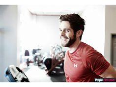Hot: Thomas Rhett Wants to Be Your Next Workout Buddy Here's How to Join Him for Bootcamp Thomas Rhett, Country Music Artists, Country Singers, Singing Exercises, Hot Country Boys, Buddy Workouts, Dancing In The Dark, Boot Camp Workout, Baby Daddy
